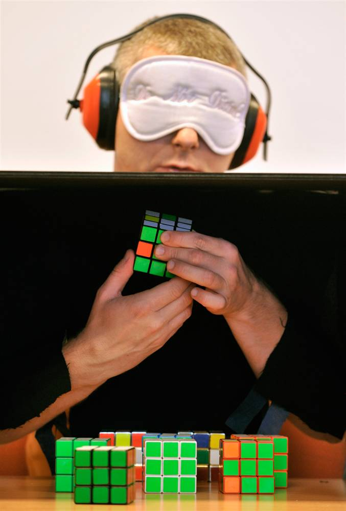 rubik_blindfolded